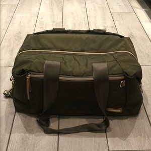 Skip hop duffle/weekend bag